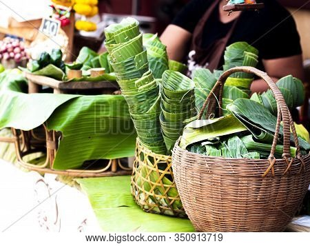 The Banana Leaf Packaging. Market Ditches Plastic Packaging For Banana Leaves. Reduce Single-use Pla