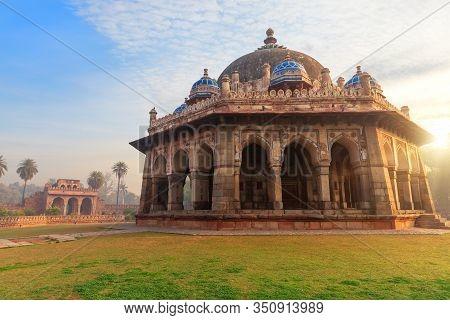 Isa Khans Tomb, Beautiful Sunrise View, Humayuns Tomb Complex, New Delhi, India