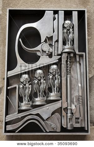 Hr Giger Sculpture