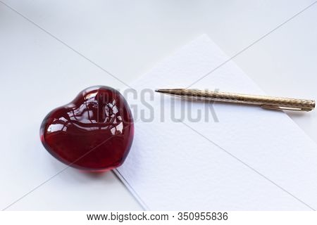 Love Heart Paper Weight And Pen With Paper For Writing A Valentines Card Love Letter Or Note