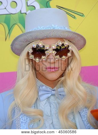 LOS ANGELES - MARCH 23:  Ke$ha arrives to the Kid's Choice Awards 2013  on Marchl 23, 2013 in Los Angeles, CA.