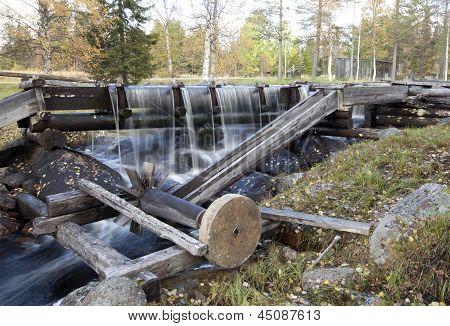 Minor grindstone in water flow.