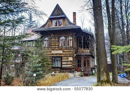 Villa Dora, Pension Zameczek