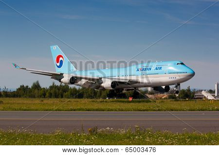 B747 Korean