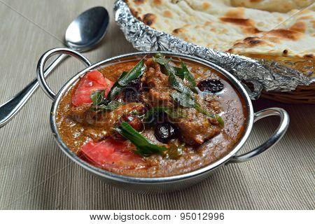Chicken chettinadu with Naan