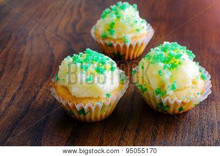 Muffins with butter cream