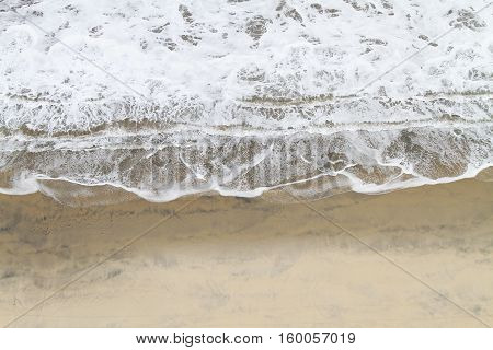 Close up of a wave coming into shore