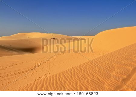 this picture is the part of white sand dune at Muina This here is the biggest desert at south east asia