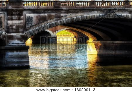 Arched bridge over the Des Moines river