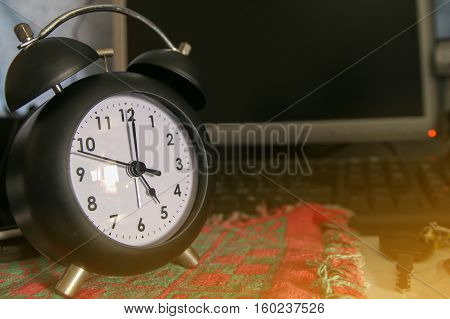 Black Alarm Clock At 5 O'clock, Black Retro Clock, Time Out Finish Working