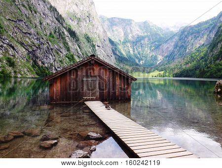Fischerhütte am oberen See am Königssee in Bayern