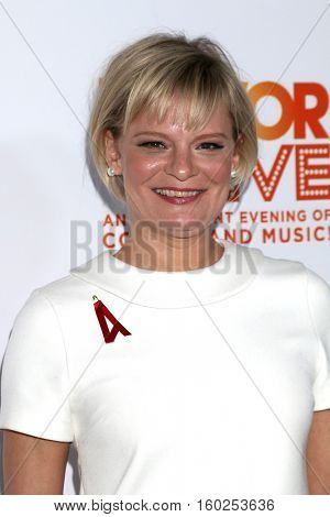 LOS ANGELES - DEC 4:  Martha Plimpton at the TrevorLIVE Los Angeles 2016 at Beverly Hilton Hotel on December 4, 2016 in Beverly Hills, CA