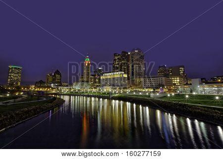The festive skyline of Columbus, Ohio during the winter holiday season