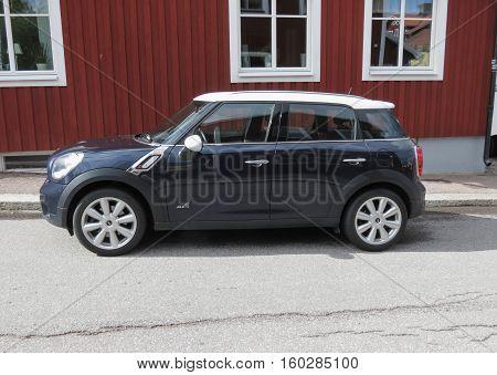 Black Mini Coooper Car