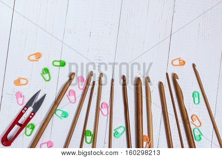 Set Of Bamboo Crochet Hooks, Color Sticker And Red Scissors