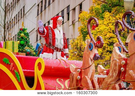 Thanksgiving Macy Parade 2016