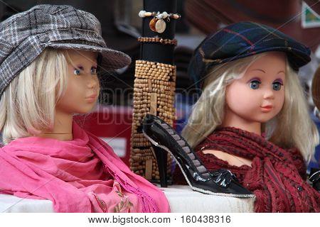 Dolls as mannequins / Dolls closeup .