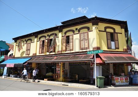 SINGAPORE - DEC 3 2016: Little India district in Singapore. It's Singaporean neighbourhood east of the Singapore River and commonly known as Tekka in the local Tamil community