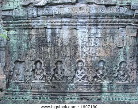 Sculture Of Khmer Art In Old Stone, Ta Prohm, Bayon, Angkor Temples, Cambodgia