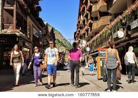 Tourists At City Center Of Zermatt Valais Swiss