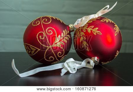Intricate Red And Gold Christmas Ball Ornaments