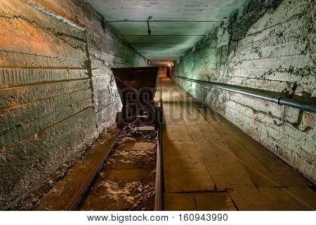 Training mine shaft tunnel waith rails light