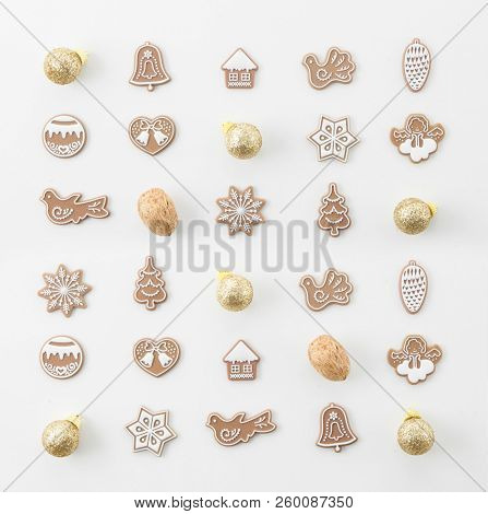 CHRISTMAS DECORATION COMPOSITION, TOP VIEW, BELLS, ANGELS, BALLS, NUTS, CHRISTMAS TREE, CHRISTMAS PATTERN BACKGROUND MODERN, FLAT , IMAGE