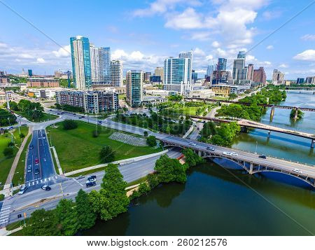 Austin , Texas , Usa Summer Green Landscape With Intersecting Roads And Bridges Connecting Across To