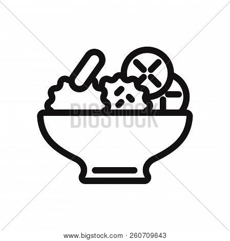 Salad Icon Isolated On White Background. Salad Icon In Trendy Design Style. Salad Vector Icon Modern