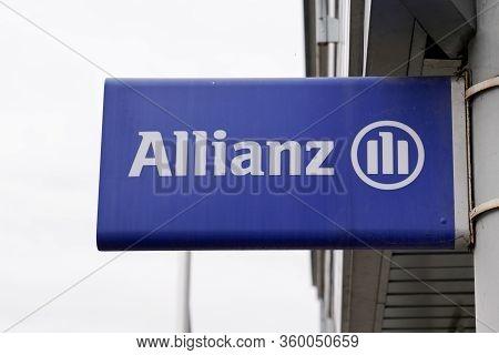 Bordeaux , Aquitaine / France - 11 18 2019 : Allianz Insurance Sign Logo Store Office Brand Financia