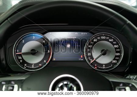 Novosibirsk, Russia - April  02, 2020  New Volkswagen Touareg, Round Speedometer, Odometer With A Ra