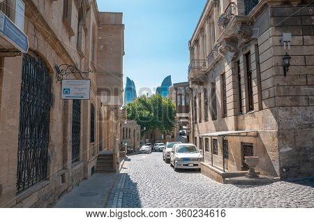 31-03-2020.baku.azerbaijan.streets And Buildings Of The Old City Of Baku
