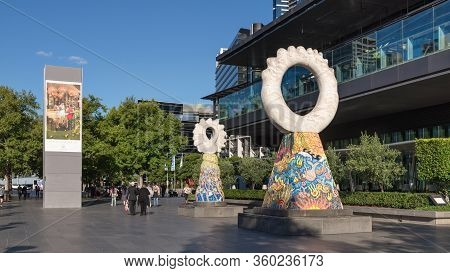 Melbourne, Australia - December 4: Sculptures On The Street Of The South Melbourne On December 4, 20