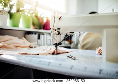 Sewing Machine.handmade Reusable Non-medical Cloth Fabric Coverings,coronavirus Protective Cotton Ma