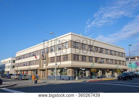 Anchorage, Alaska, Usa - Sep. 16, 2019: Historic Loussac Sogn Hotel On 5th Avenue At D Street In Dow