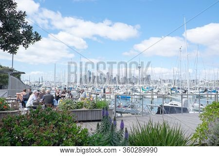Auckland, New Zealand, Nz - September 16, 2020: People At Outdoor Cafe At Westhaven Marina.