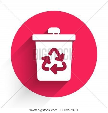 White Recycle Bin With Recycle Symbol Icon Isolated With Long Shadow. Trash Can Icon. Garbage Bin Si