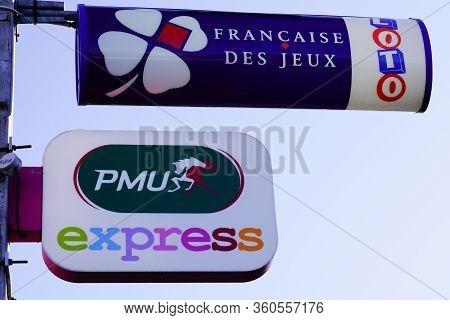 Bordeaux , Aquitaine / France - 11 13 2019 : Pmu And Fdj, La Francaise Des Jeux Logo On Store Front
