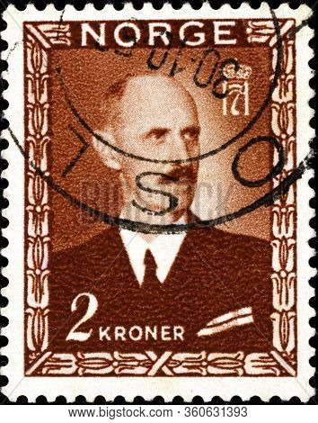 02.11.2020 Divnoe Stavropol Territory Russia The Postage Stamp Norway 1946 King Haakon Vii Portrait