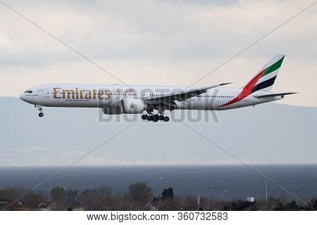 Istanbul / Turkey - March 29, 2019: Emirates Boeing 777-300er A6-eca Passenger Plane Arrival And Lan