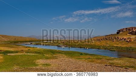 Tajikistan, Pamir Tract. The Valley Of The Alichur River Near The Village Of The Same Name.