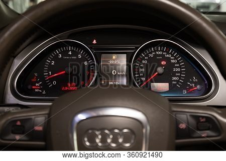 Novosibirsk/ Russia - April 02, 2020: Audi Q7, Round Speedometer, Odometer With A Range Of 162 Thous