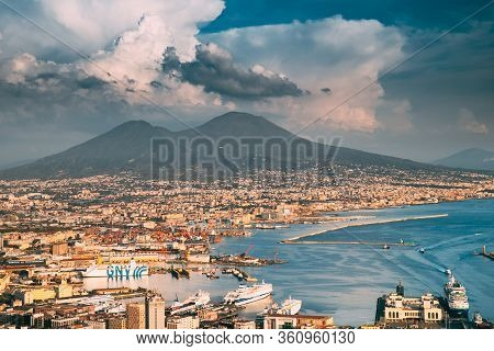 Naples, Italy - October 17, 2018:. Top View Cityscape Skyline Of Naples With Mount Vesuvius And Gulf