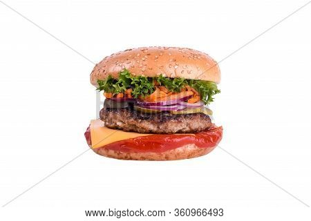 Fresh Burger With Pork And Beef, Cheddar, Pickled Cucumber, Pickled Onions, Korean Carrots, Salad Mi