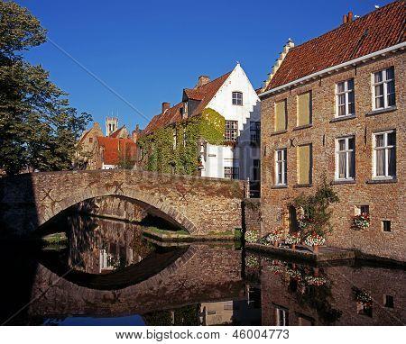 Canal bridge, Green Quay, Bruges.