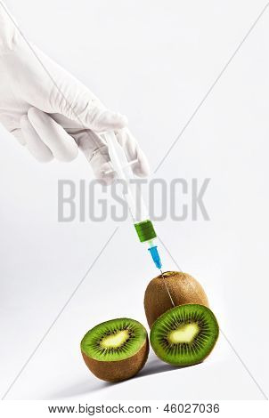 Fresh green kiwi fruits in lab