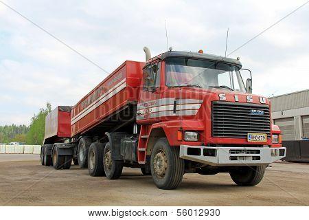 Sisu SR300 8X2 Aftercooler Conventional Heavy Duty Truck