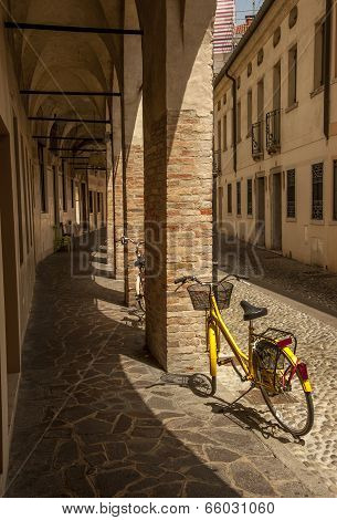 Arched walkway in Treviso