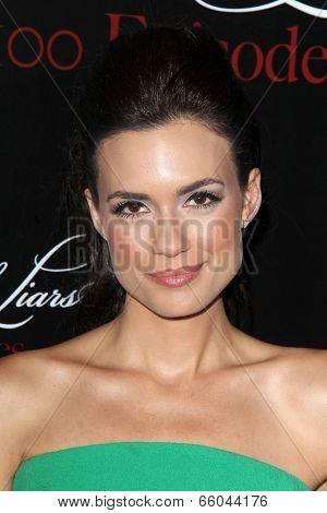 Zoey DeutchLOS ANGELES - MAY 31:  Torrey DeVitto at the
