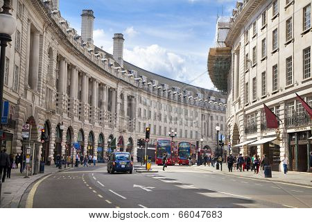 LONDON, UK - MAY 14, 2014: Regent street, Piccadilly circus junction